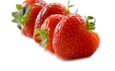 Vorsicht vor: Zahnbleaching mit Erdbeeren